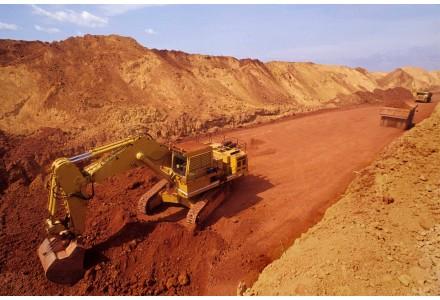 冀中能源-锦江集团首批几内亚铝土矿近期到达连云港