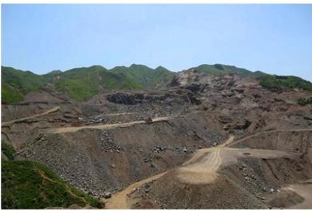 公职人员操纵村干部参与 黔江上千万元矿产资源被无证开采并出售