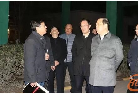 The Mayor of Sanmenxia City, An Wei night check the implementation of pollution control measures