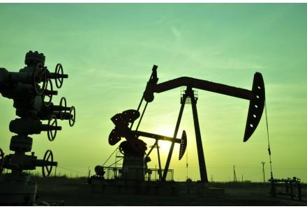 避险情绪升温 美股全线跌超1% 油价跌3%