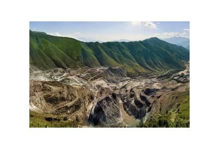 几内亚加强铝等重要矿旧版彩神88app产资源控制