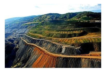 新疆将在两年建成400个绿色矿山、6个绿色矿业发展示范区