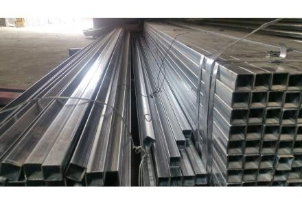 钢材持续去库存 铁矿石关注环保限产 焦炭有望继续上涨