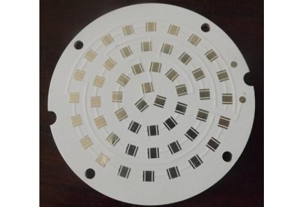 铝基板的性能和材料的表面处理