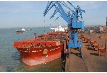 河北唐山港成为全国最大进口铁矿石接卸港和钢材输出港