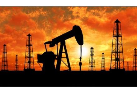 两油隔夜跌超2% 后市关注这3件事
