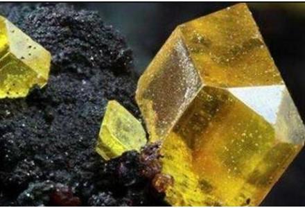 铁矿石再遇狂飙之夏:价格升至近5年新高意味着什么
