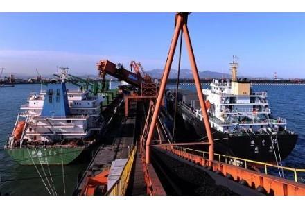 上半年策克口岸累计进口煤炭289万吨