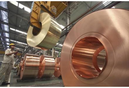 储量和消费量严重不平衡,金铜等金属对外依存度高