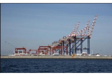 日本首个船对船LNG燃料加注作业启动!