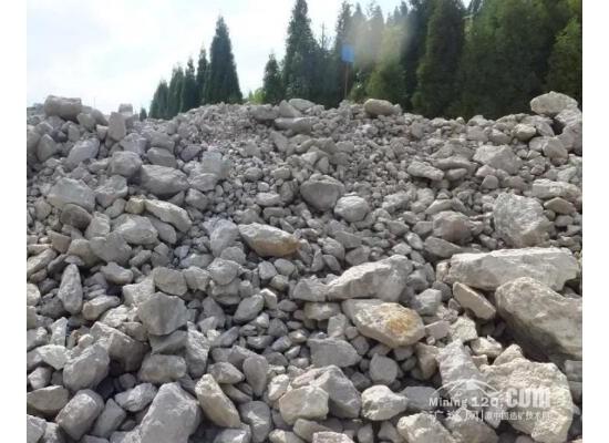 信阳市上天梯矿区204万吨/年的珍珠岩新增资源量协议出让