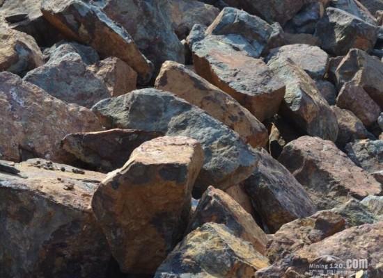 铁矿石价格暴跌后将迎来了小幅回弹