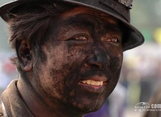 18年老矿工亲述:在金矿,一条人命值多少钱?